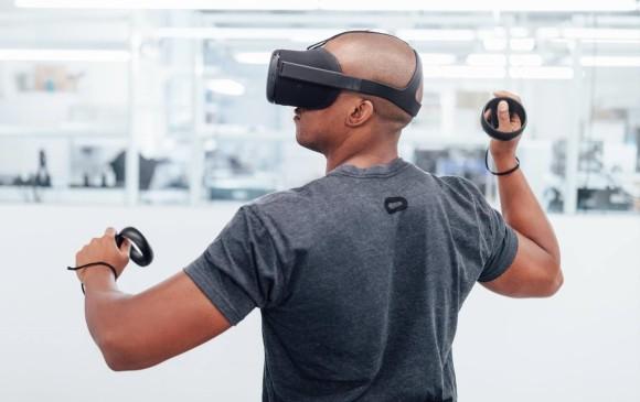 Oculus Go utiliza cámaras, sensores y software para seguir movimientos que se reproducen en mundos virtuales producidos en el casco. FOTO Facebook.com/oculusvr