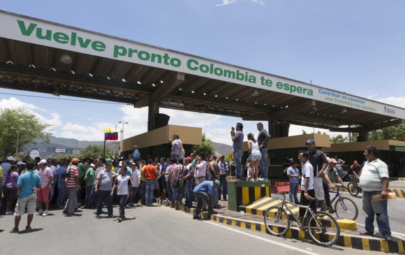 Nicolás Maduro ordenó reabrir pasos fronterizos con Colombia en el Táchira