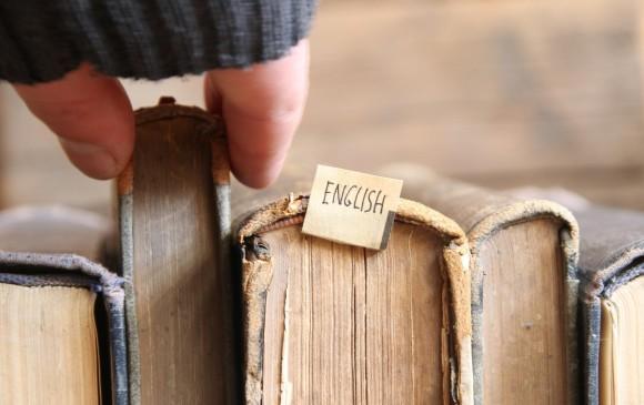 Para aprender inglés es necesario leer libros que nos ayuden a ganar vocabulario. Los docentes del idioma pueden sugerir algunos textos pero la idea es encontrar cuáles nos gustan. FOTO Shutterstock