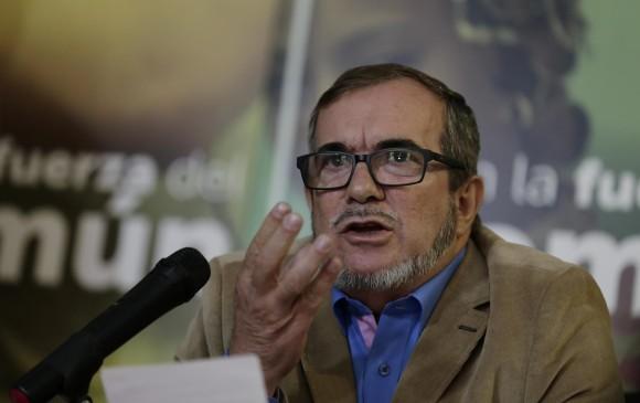 En trino, Timochenko le hace polémica propuesta a Álvaro Uribe