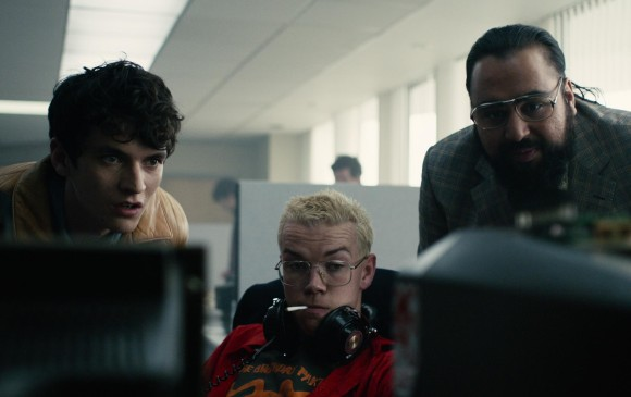 Los protagonistas son los actores Fionn Whitehead, Will Poulter y Asim Chauldhry. FOTO Cortesía Netflix