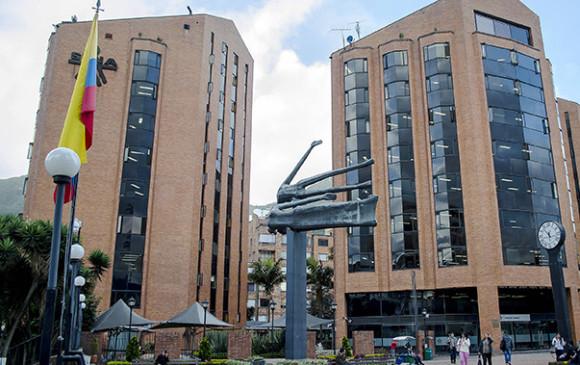 Procuraduría pide al Sena suspender millonaria licitación sobre tecnología