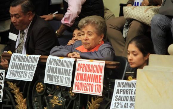 Congreso aprueba reducción de aportes en salud de todos los pensionados