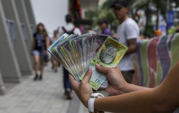 Nuevo salario mínimo pasa a Bs.S 1.800