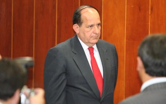 Exfiscal Montealegre denuncia a Gustavo Moreno por falso testimonio