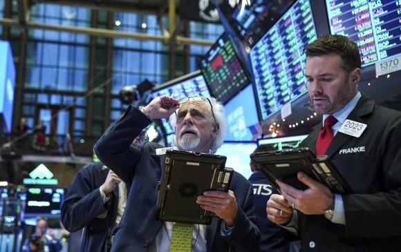 Wall Street cierra sesión mixto y el Dow Jones desciende 0.33%
