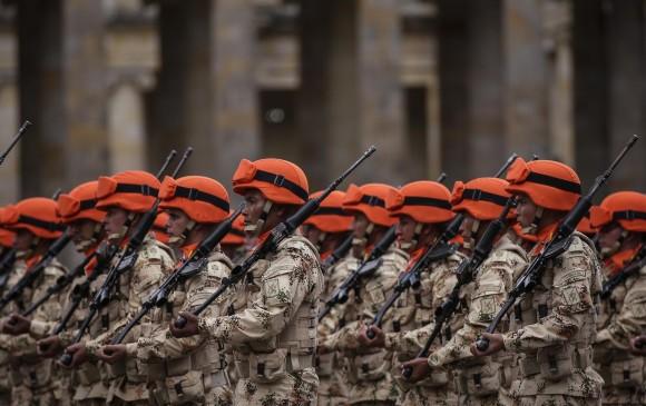 Con reforma al servicio militar, soldados ganarán al menos $320.000 pesos