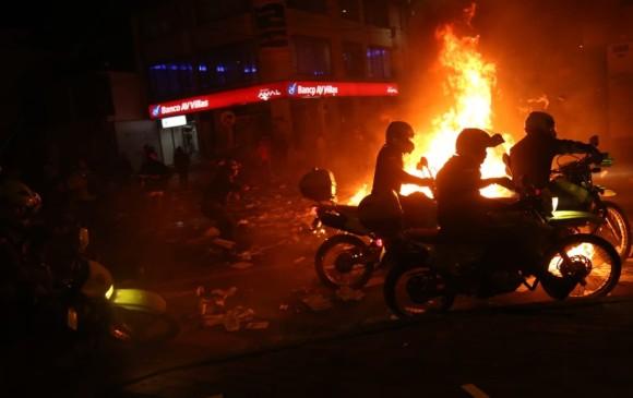 Disturbios y CAIs incendiados en Bogotá durante protestas por muerte de Javier  Ordóñez