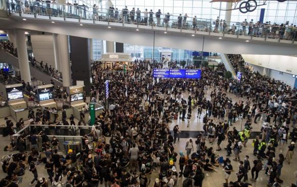 Advertencia de China a manifestantes en Hong Kong sube la irritación