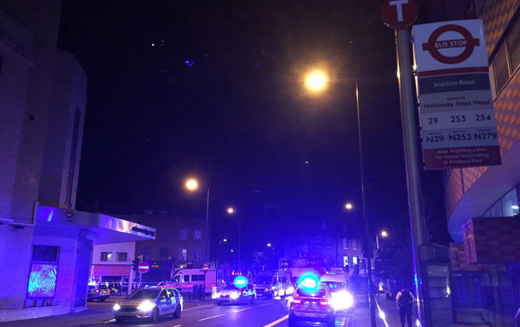 Londres: un arresto tras choque de vehículo contra peatones
