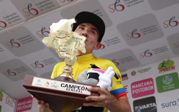 El ciclista santandereano Aristóbulo Cala se coronó ayer campeón de la edición 67 de la Vuelta a Colombia en la que en un comienzo no figuraba entre los favoritos