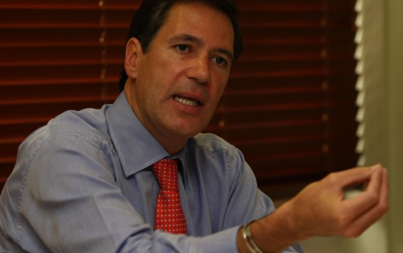 Noticias: Embajador en Uruguay, vinculado a investigación por laboratorios de cocaína