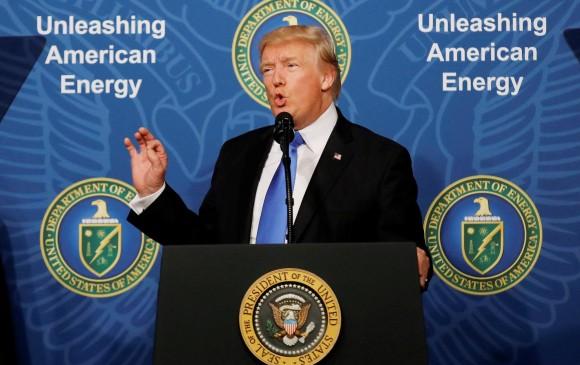 Trump carga contra la OPEP por mantener los precios