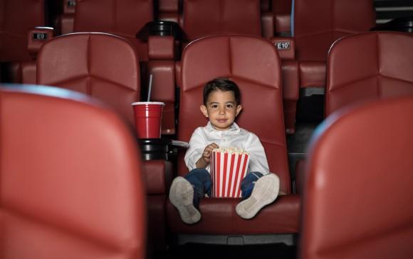 Para Oswaldo Osorio se deben mantener pautas sobre qué contenidos se pueden ver en el cine a cierta edad. Esa responsabilidad recae en los padres, no en el niño. FOTO sstock