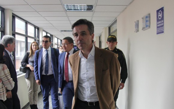 Colombia: piden reabrir caso contra el presidente Santos tras revelaciones de Prieto