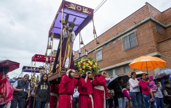Procesión de Semana Santa en Belén, Medellín. FOTO ESTEBAN VANEGAS