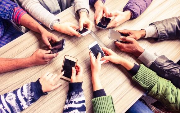 Desde 2007, con la entrada de Apple al mercado con su teléfono inteligente, el despacho de estos dispositivos en el mundo no ha parado de crecer, gracias también a otras compañías como Samsung. FOTO Sstock