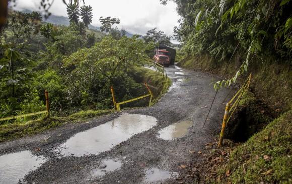 Parte de la carretera aún no es una trocha. Foto: Esteban Vanegas