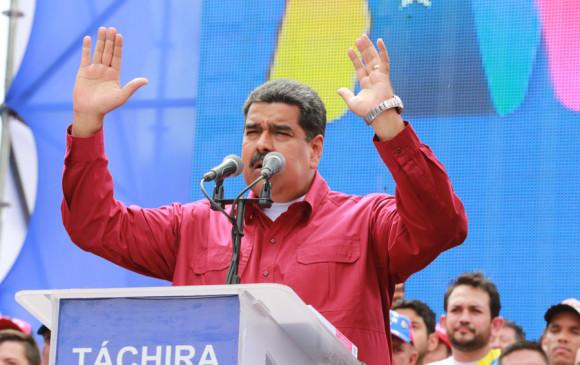 """En el discurso que profirió durante un acto electoral en el estado Táchira, Maduro afirmó """"nos importa un carajo Santos"""". FOTO EFE"""