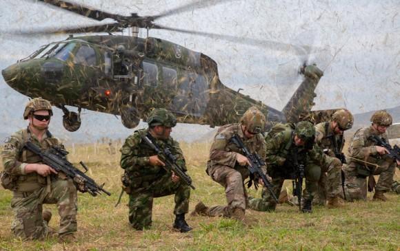Tribunal ratifica suspensión de actividades de militares de EE. UU. en Colombia