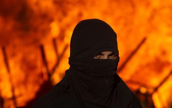 Incendio en protestas en Chile. FOTO: AFP