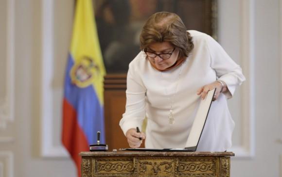 Ministra de Justicia, Gloría María Borrero, renuncia al cargo