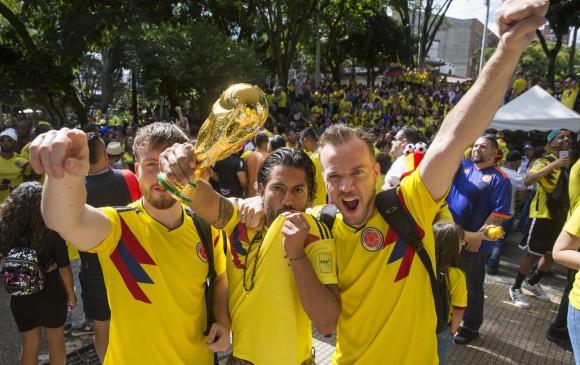 Aficionados a la selección se reunieron a celebrar la victoria. FOTO: Edwin Bustamante