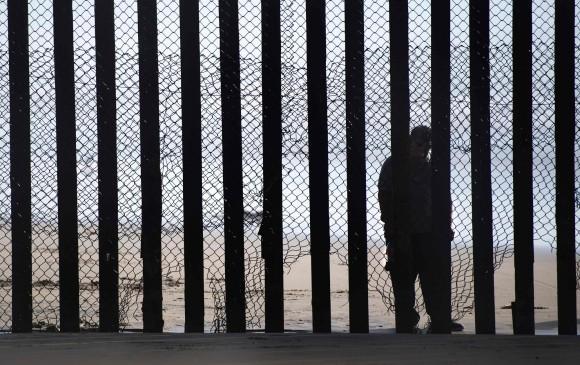 Quiere Trump 'muro grande y hermoso'
