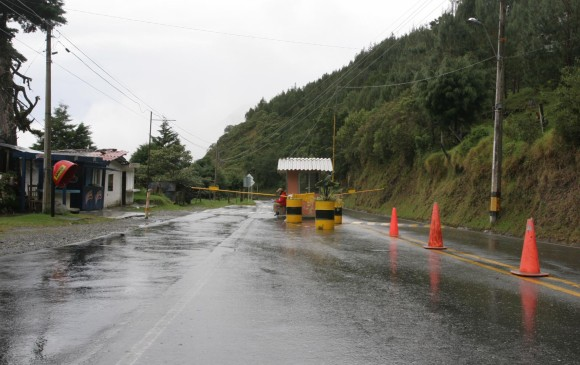 Continúa incomunicada la vía Medellín - Santa Fe de Antioquia