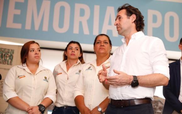 La visita de las contratistas, guiada por el alcalde. FOTO CORTESÍA ALCALDÍA
