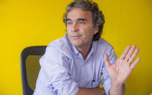 Por incumplir normas de regalías, sancionan al precandidato Sergio Fajardo