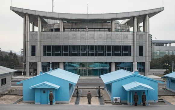 Corea del Sur propone formar equipo unificado en hockey sobre hielo