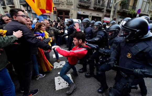 El sueño fallido de una república catalana independiente — Puigdemont