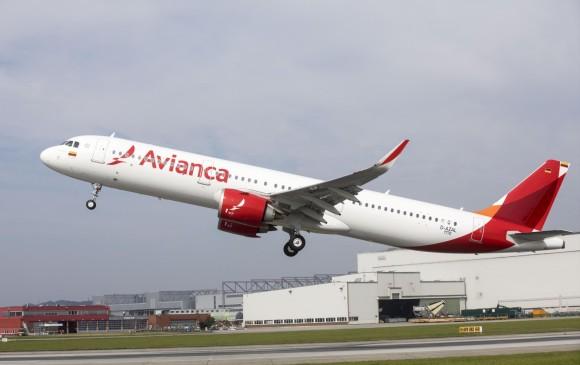 ¿De cuánto serían las alzas en salarios de pilotos de Avianca?