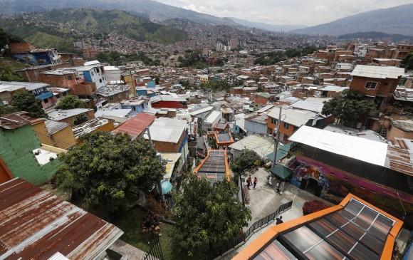 La comuna 13 (San Javier), el corregimiento de Altavista y la comuna 7 (Robledo) son los sectores que, según Kevin Turner, deben priorizarse. FOTO: Manuel Saldarriaga