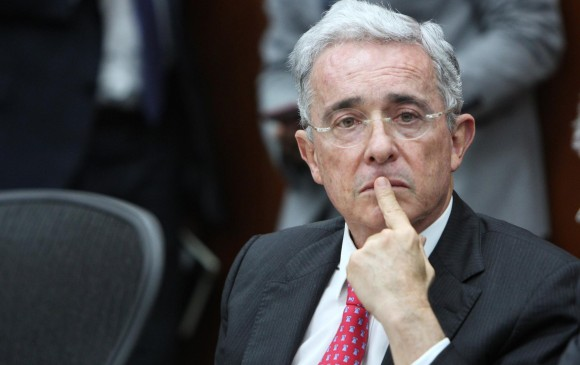 Santos debería estar en la cárcel por caso Odebrecht: Uribe