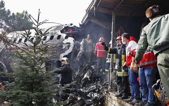 Un avión de carga se estrelló en Irán: al menos siete muertos