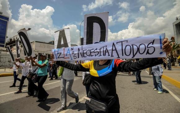 El presunto asesinato de un líder opositor en la cárcel desencadenó más protestas en Caracas para pedir el fin del gobierno. FOTO afp
