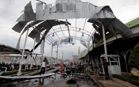 Decenas de heridos por atentado en centro comercial de Tailandia