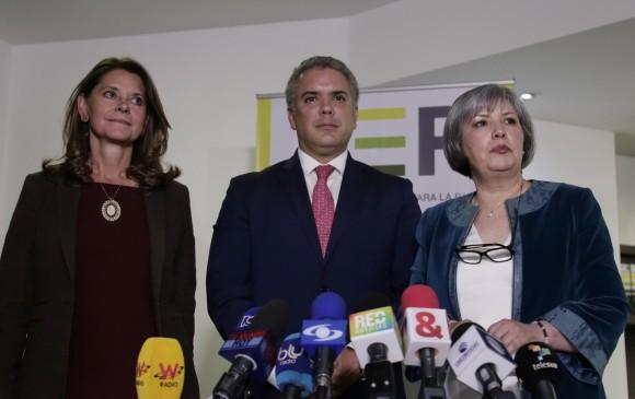 Marta Lucía Ramírez, Iván Duque y Patricia Linares después de la reunión entre la JEP y el gobierno entrante. FOTO: COLPRENSA