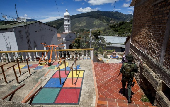 ELN declara en Colombia cese al fuego unilateral por coronavirus
