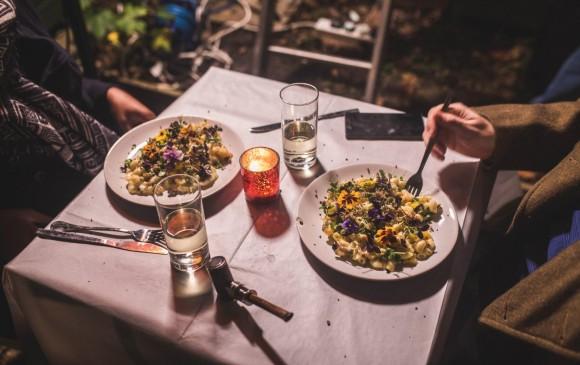 Imagen de la cena en el restaurante The Shed. FOTO twitter