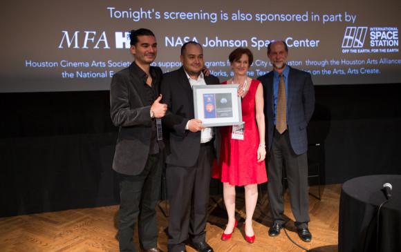 Nasa premió a cineasta colombiano