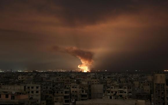 La escalada de violencia en Siria ha llevado a que unas 35.000 personas se protejan en refugios subterráneos. AFP