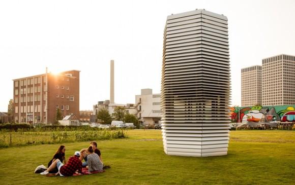 El aire limpio es expulsado a través de las rejillas de ventilación de la estructura. FOTO efe