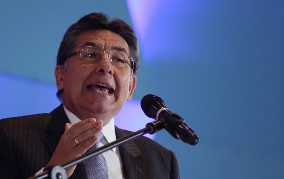 Fiscal advierte a Santos de irregularidades en los programas del posconflicto