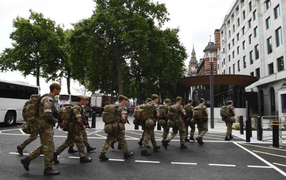 Detienen al padre y el hermano del autor de atentado en Manchester
