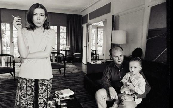 Joan Didion con su esposo y su hija. Imagen del documental Joan Didion: el centro cede. Cortesía de Netflix.