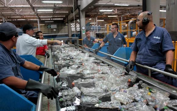 En el aprovechamiento de las botellas de PET, Enka soportó su transformación industrial. Foto: Julio César Herrera.