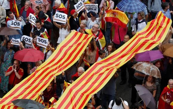 Mossos d'Esquadra rompen en llanto — Referéndum en Cataluña